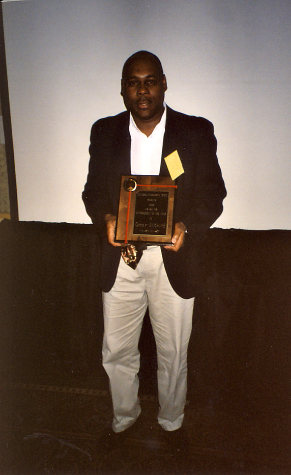 Oscar Liburd receiving Entomologist of the Year Award