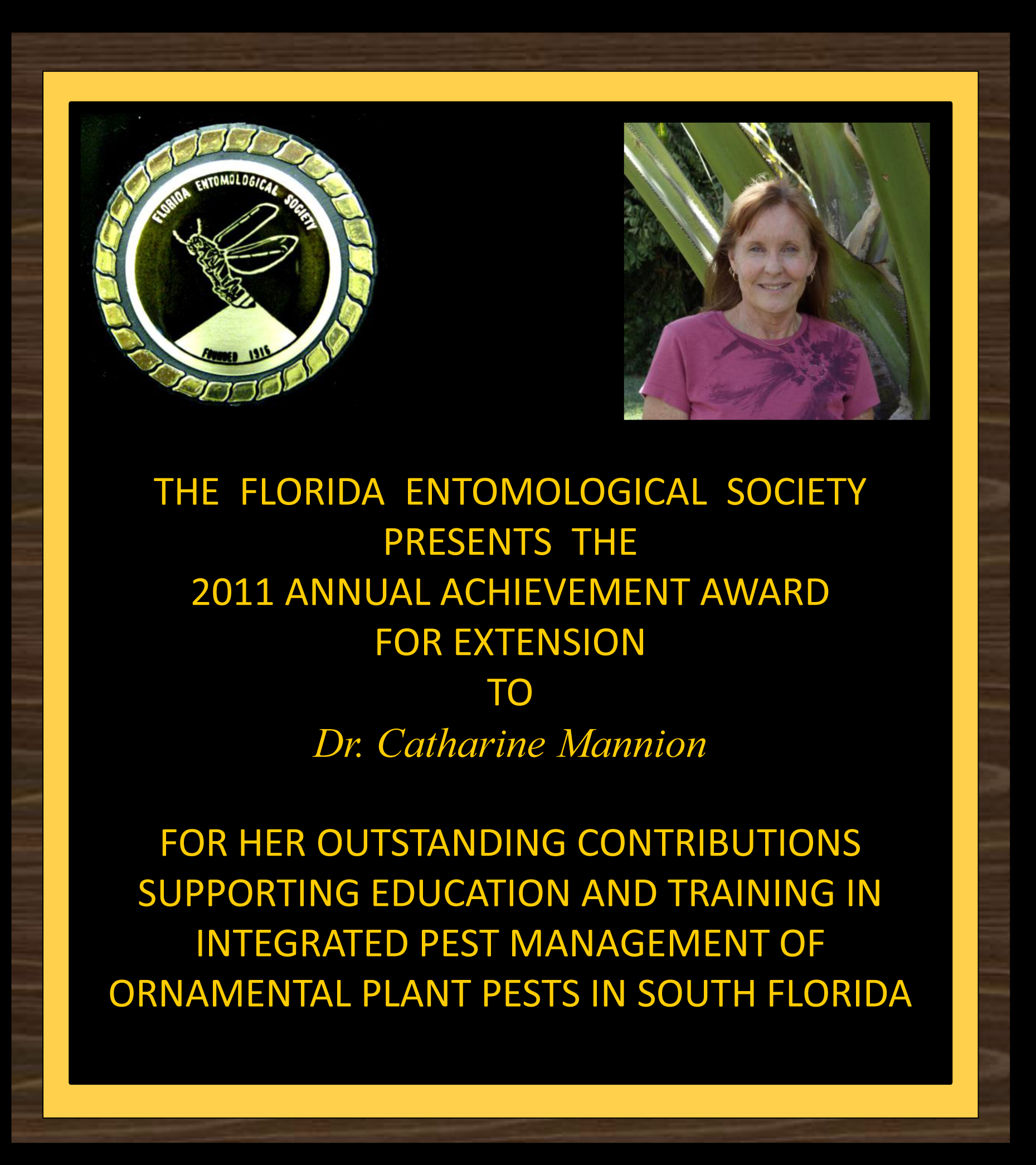 Catharine Mannion receives 2011 FES Achievement Award for Extension